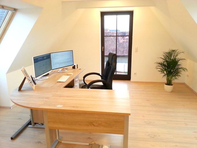 Büro Arbeitsplatz 2